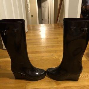 Black wedged Hunter Rainboots
